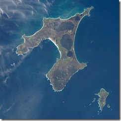 599px-Chatham_Islands_from_space_ISS005-E-15265