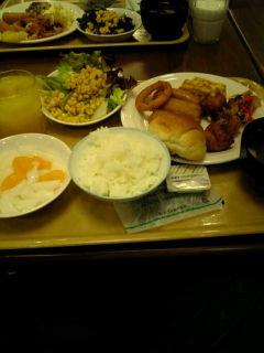 朝から食べ過ぎ