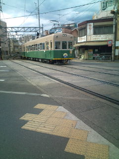 春の京都の路面電車