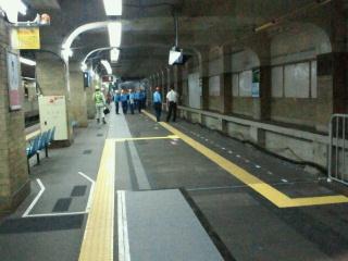 阪神三宮駅3番線移動